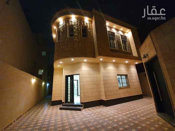 فيلا للبيع في شارع ثمالة بن اسلم ، حي الملك فهد ، الرياض