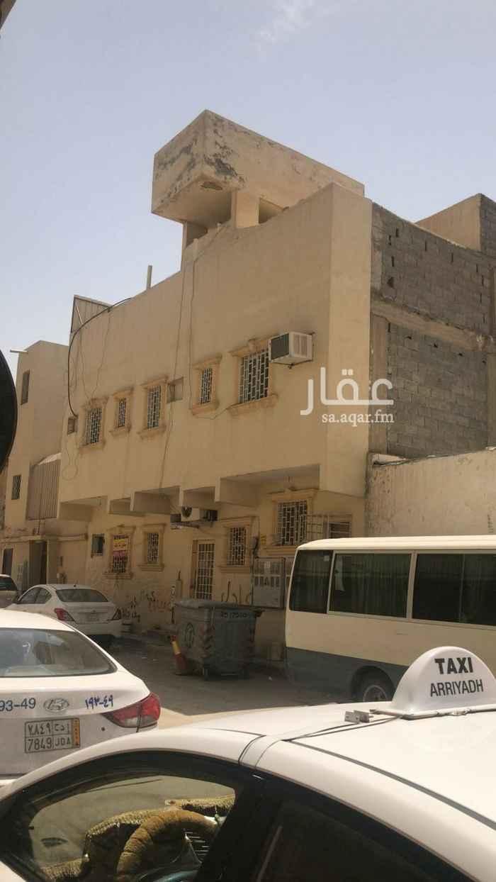 عمارة للبيع في شارع ابي الحسن الشافعي ، حي منفوحة الجديدة ، الرياض