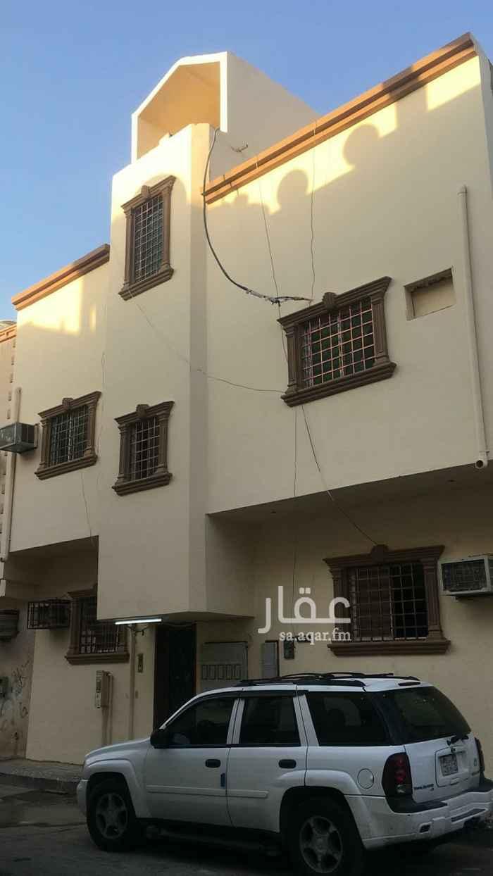 عمارة للبيع في شارع البدر الكندي ، حي منفوحة الجديدة ، الرياض