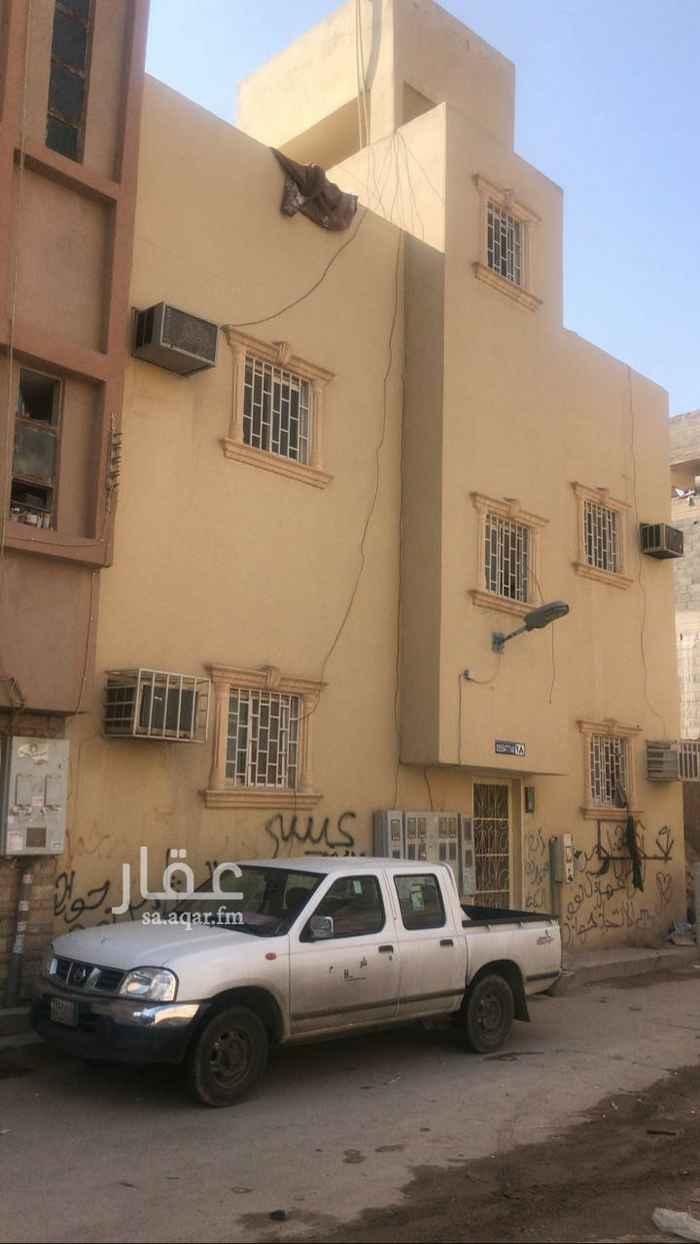 عمارة للبيع في شارع ال فريان ، حي منفوحة الجديدة ، الرياض ، الرياض