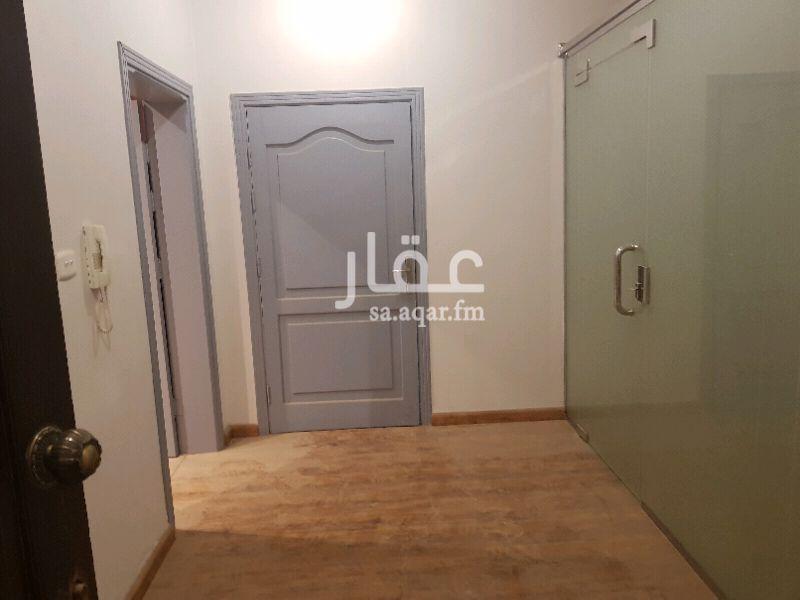 مكتب تجاري للإيجار في شارع اسماعيل العقيلي ، حي البساتين ، جدة