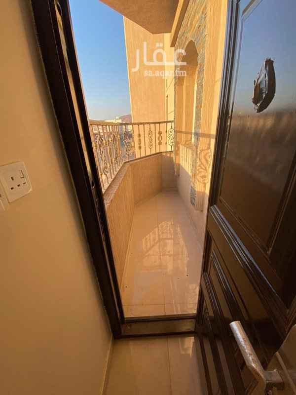 شقة للبيع في شارع حبيبه بنت ابي امامه ، حي العزيزية ، المدينة المنورة ، المدينة المنورة
