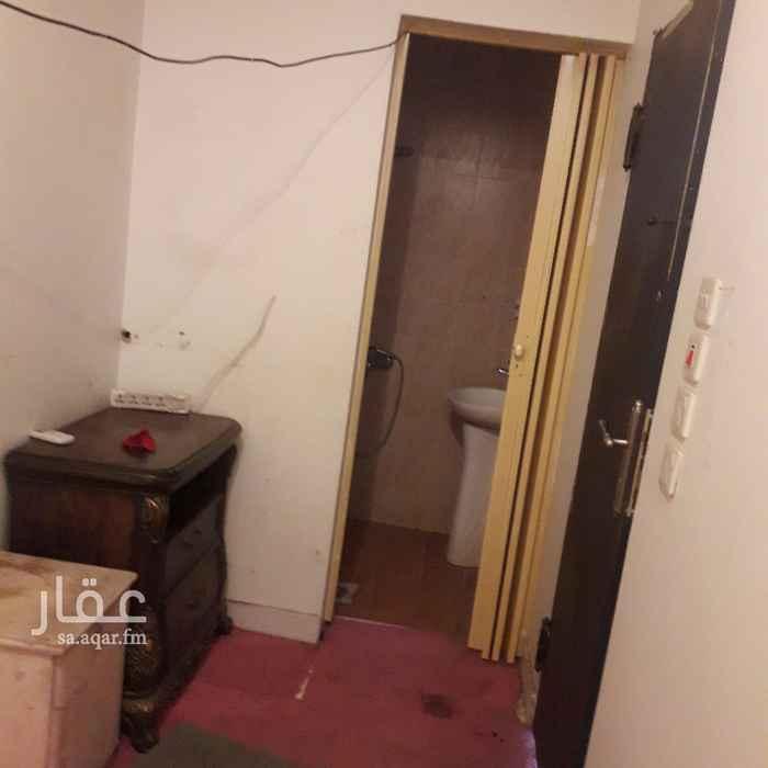شقة للإيجار في شارع المجمعة ، حي الربيع ، الرياض