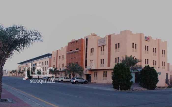 مكتب تجاري للإيجار في شارع طارق بن زياد, الخبر