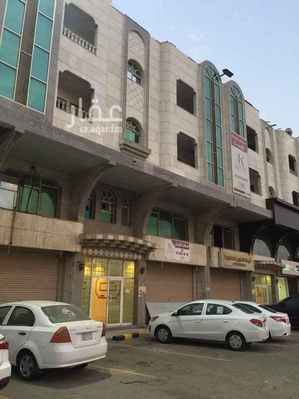مكتب تجاري للإيجار في شارع الأمير ماجد ، حي المروة ، جدة