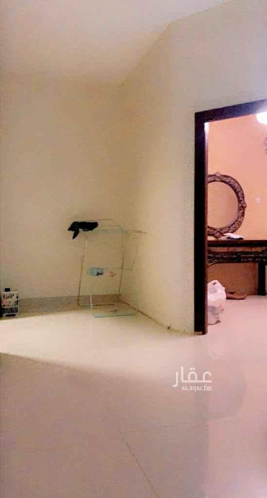 فيلا للبيع في حي ، شارع عبدالرزاق بن يحيى ، حي الملك فيصل ، الرياض ، الرياض