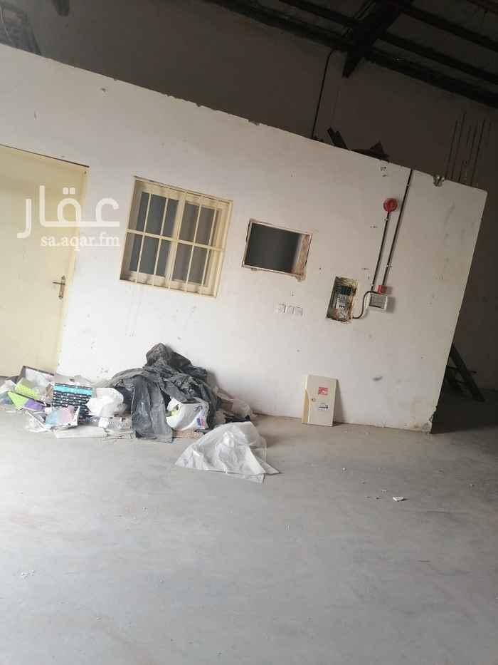 مستودع للإيجار في شارع علي البجادي ، حي الرمال ، الرياض ، الرياض