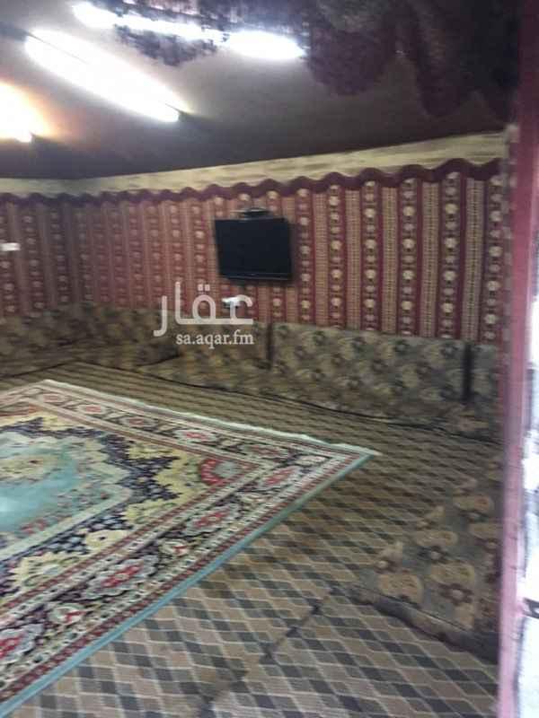استراحة للبيع في شارع محمد بن عوجان ، حي الحزم ، الرياض