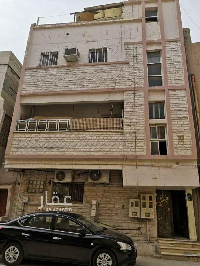 عمارة للبيع في شارع عبدالواحد بن ابي الفتح ، حي ام الحمام الشرقي ، الرياض