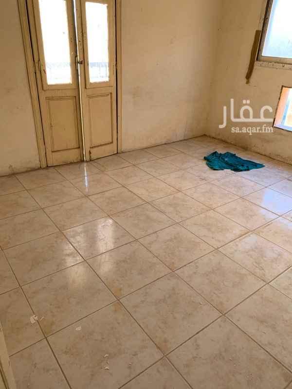 شقة للإيجار في شارع ابي برزة الاسلمي ، حي الضباط ، الرياض ، الرياض