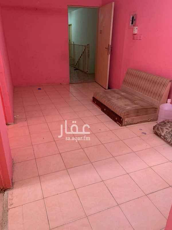عمارة للإيجار في شارع ابي الحسن الشافعي ، حي منفوحة الجديدة ، الرياض ، الرياض