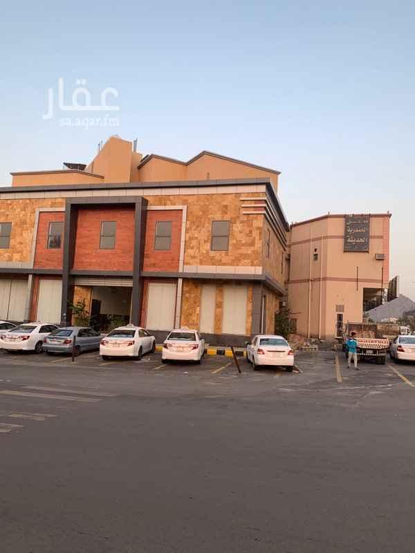 عمارة للإيجار في شارع جبل ثور ، حي العوالي ، مكة
