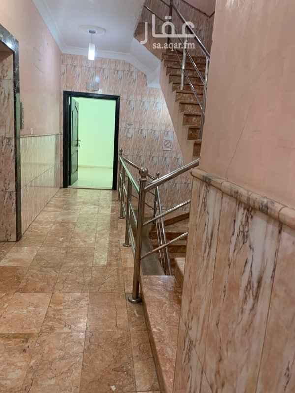 مكتب تجاري للإيجار في شارع الكيال ، حي الروضة ، جدة