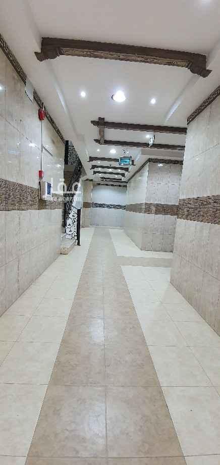 مكتب تجاري للإيجار في شارع ابراهيم النميري ، حي الحمراء ، الرياض