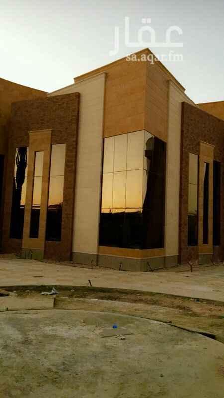 فيلا للبيع في شارع الأمير سعود بن محمد بن مقرن، حي حطين ، سويد بن حارثة ، الرياض
