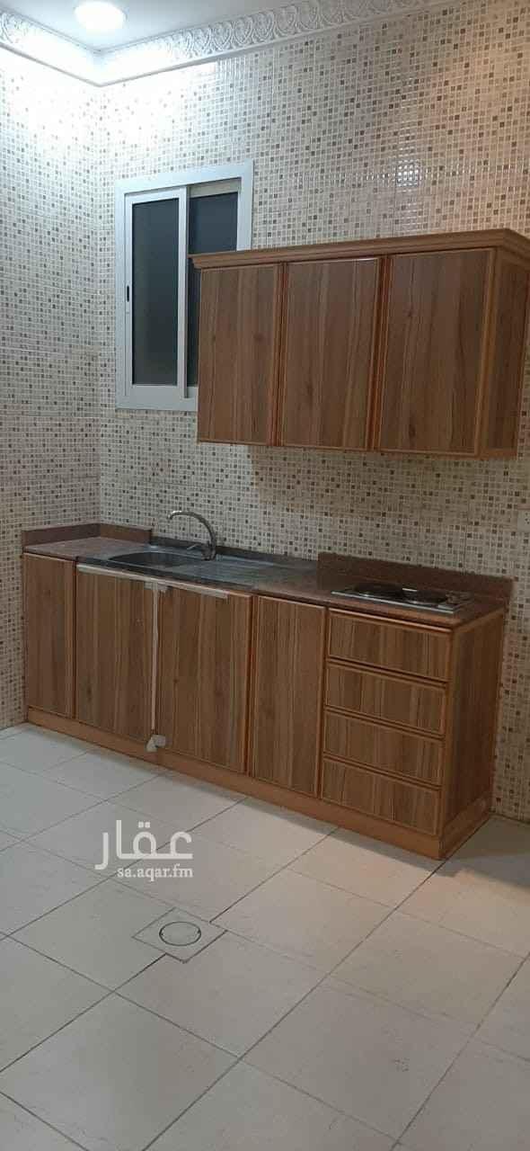 شقة للإيجار في شارع الشيخ حسن بن حسين بن علي ، حي اشبيلية ، الرياض ، الرياض