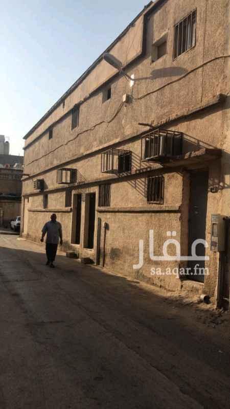 عمارة للبيع في شارع عاصم بن عدي ، حي البديعة ، الرياض