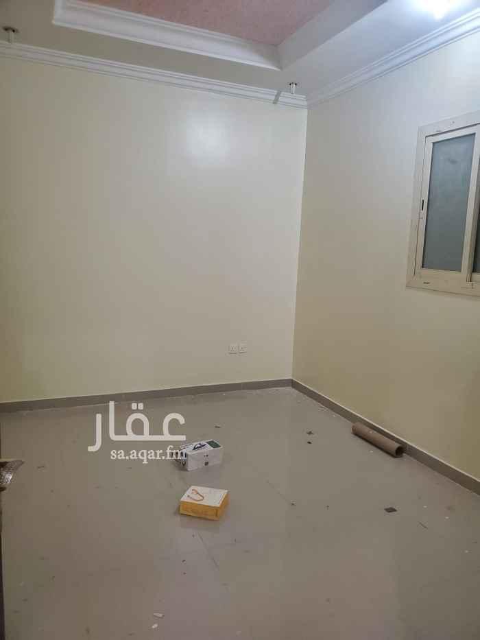 عمارة للإيجار في شارع القلعة ، حي الربيع ، الرياض ، الرياض