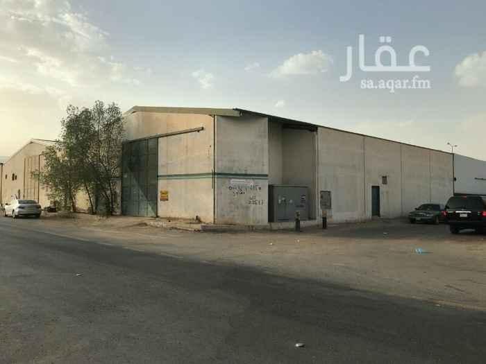 مستودع للإيجار في شارع السلطوانة ، حي بدر ، الرياض