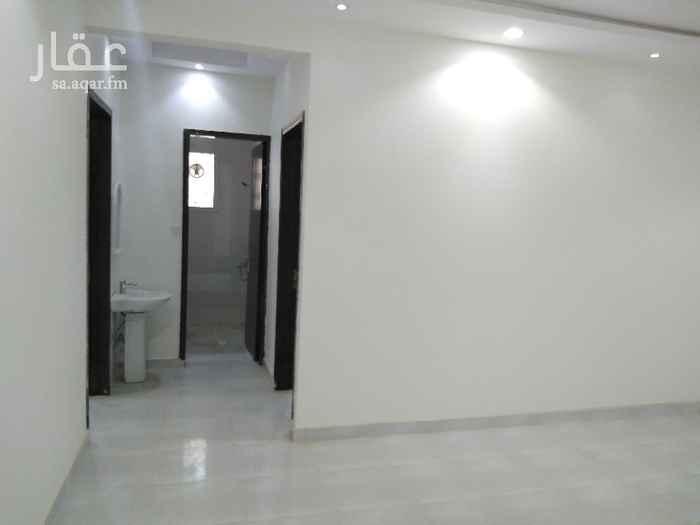 شقة للإيجار في شارع عبدالرحمن بن حسن الفتني ، حي القادسية ، الرياض
