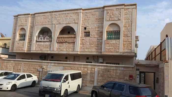 عمارة للبيع في شارع العقاد ، حي الزهور ، الدمام ، الدمام