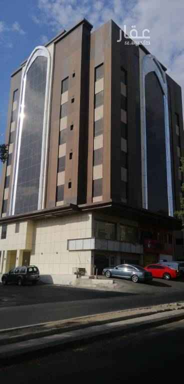 شقة للإيجار في شارع ابراهيم شكر ، حي البوادي ، جدة