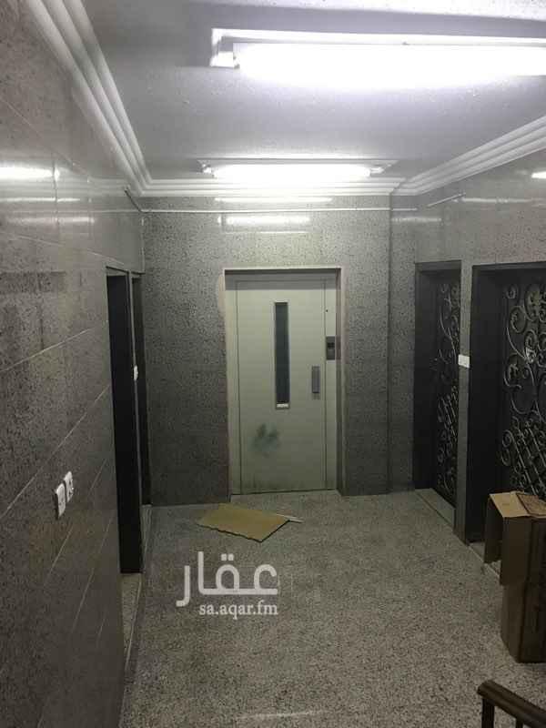 عمارة للإيجار في شارع ابي حفص الدمشقي ، حي الملز ، الرياض
