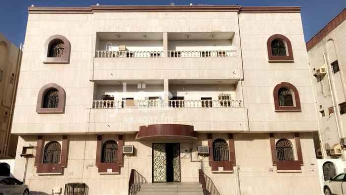 شقة للإيجار في شارع ابن الحسن القدوري ، حي الصفا ، جدة