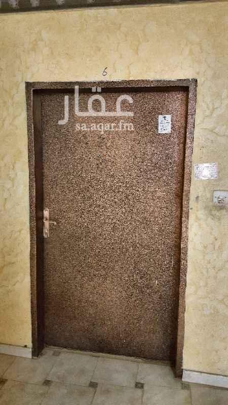 شقة للإيجار في شارع ابن ابراهيم الفقيه ، حي الملك فيصل ، الرياض