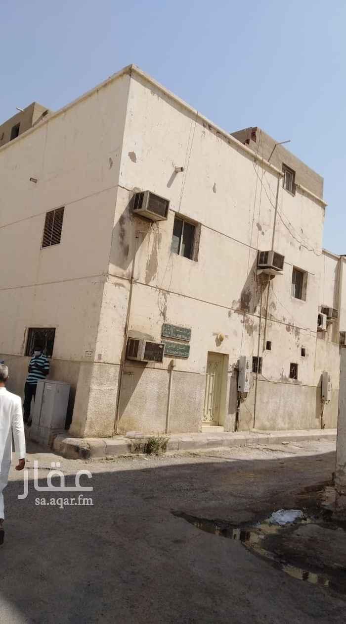بيت للبيع في شارع المدارك الواعيه ، حي الجامعة ، جدة ، جدة