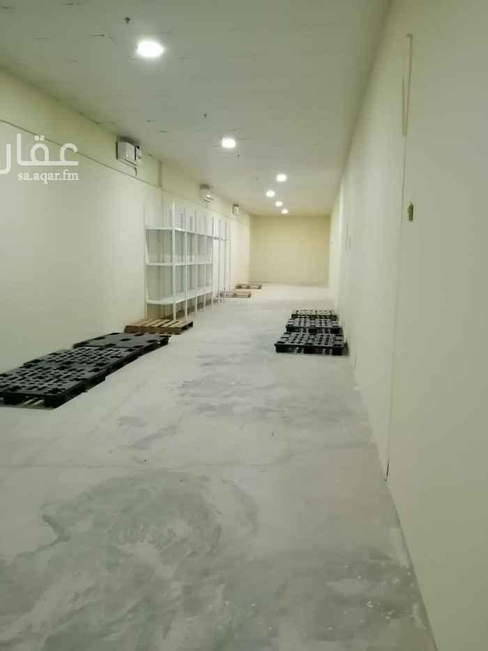 مستودع للإيجار في شارع طارق بن زياد ، حي المطار ، المدينة المنورة ، المدينة المنورة