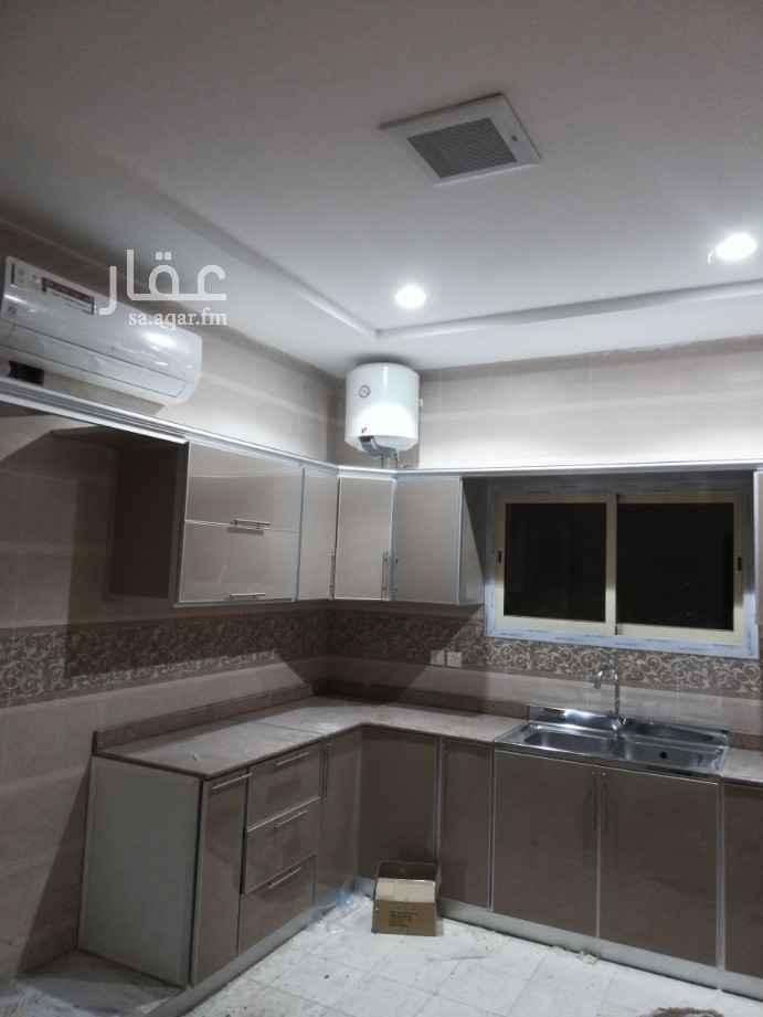 دور للإيجار في شارع مباركة بنت عبدالقادر الطبرية ، الرياض