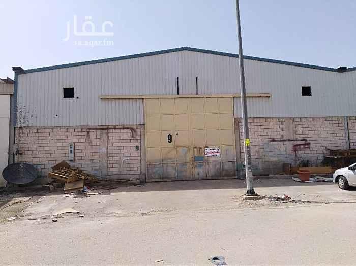مستودع للإيجار في شارع حسن بن حسين ، حي الفيصلية ، الرياض