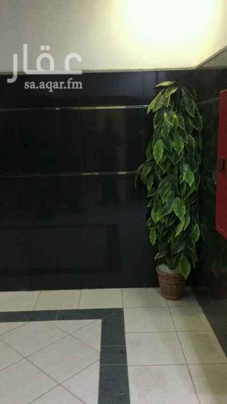 مكتب تجاري للإيجار في طريق الإمام عبدالله بن سعود بن عبدالعزيز ، حي الحمراء ، الرياض