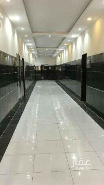 مكتب تجاري للإيجار في شارع الحسن بن علي ، حي الروضة ، الرياض
