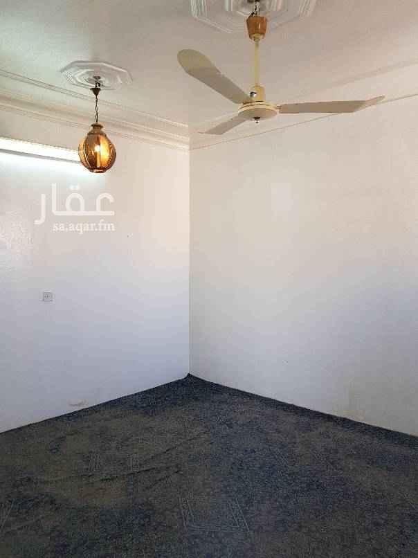 دور للإيجار في شارع موجود الخراساني ، حي الزهرة ، الرياض