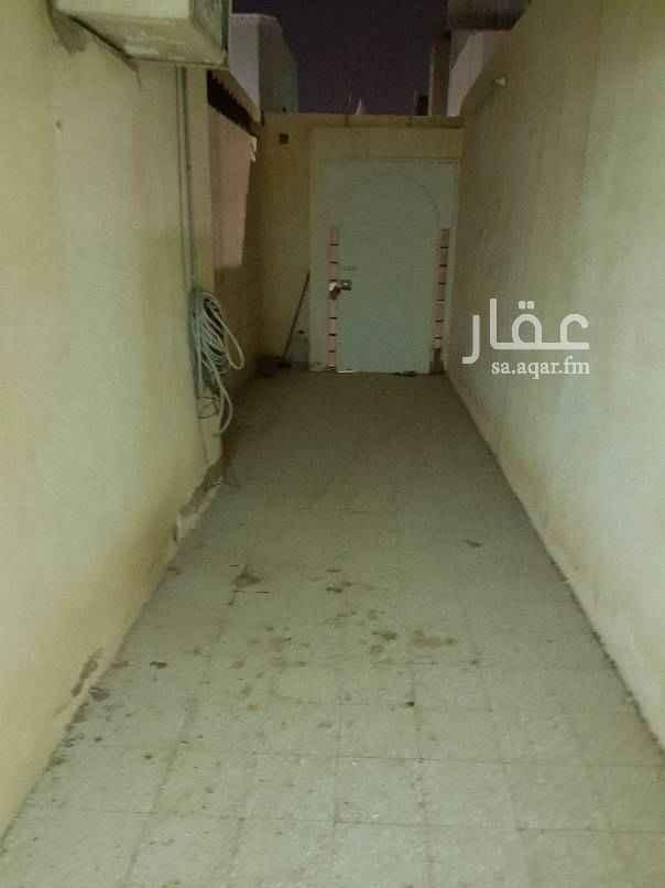 دور للإيجار في شارع الملحاء ، حي الزهرة ، الرياض