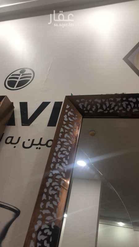 محل للبيع في شارع البيت العتيق ، حي قرطبة ، الرياض
