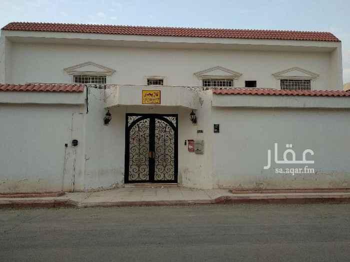 فيلا للإيجار في شارع ابي العلاء المعري ، حي الملز ، الرياض