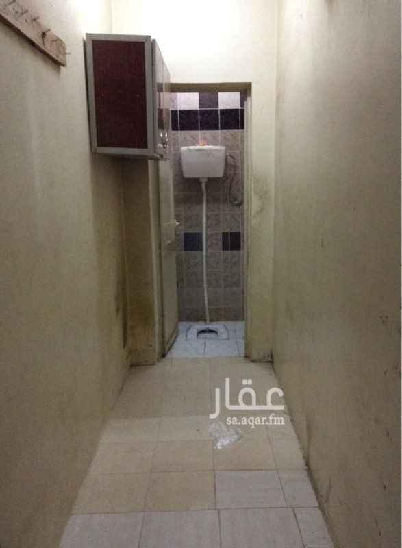 غرفة للإيجار في شارع عبدالعزيز الأحيدب ، حي الرمال ، الرياض ، الرياض