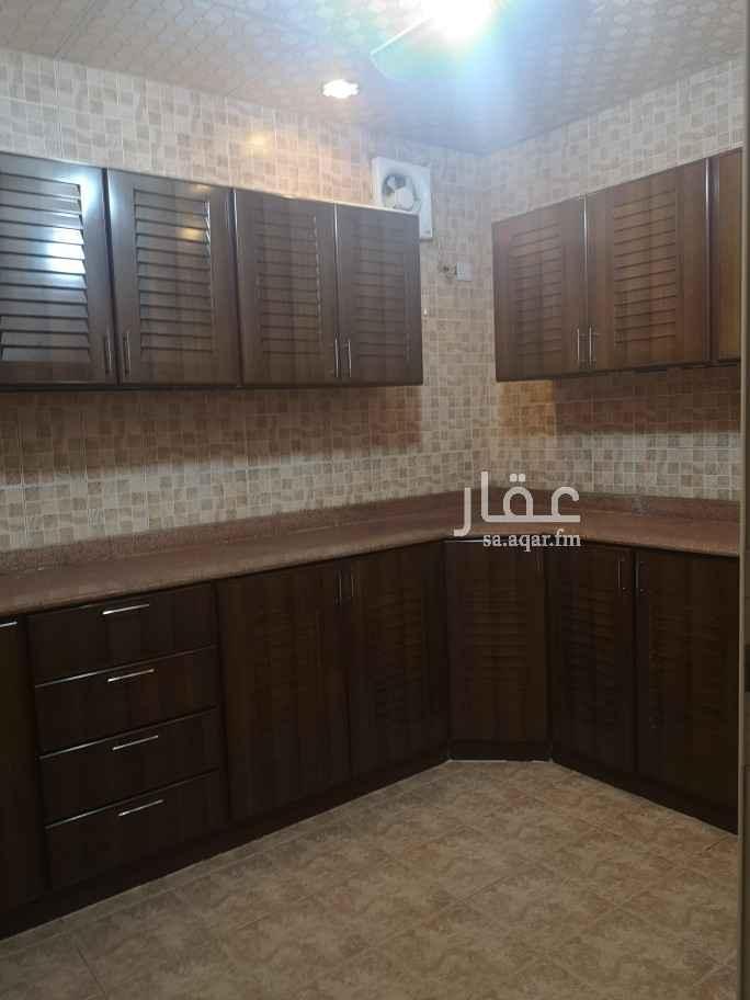 شقة للإيجار في شارع الامير مقرن بن عبدالعزيز ، حي المغرزات ، الرياض