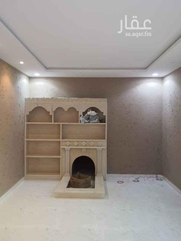 فيلا للبيع في شارع الصحراء الليبية ، حي عكاظ ، الرياض ، الرياض