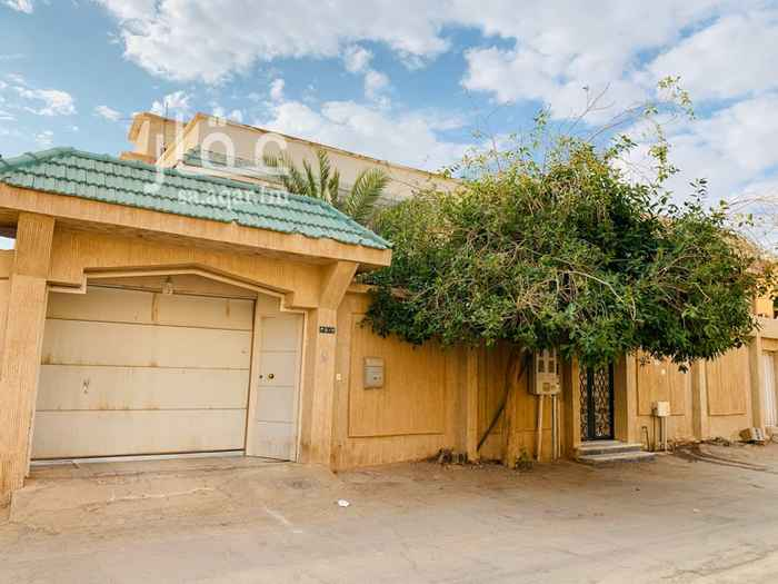 فيلا للبيع في شارع العذيبة ، حي الملك فهد ، الرياض