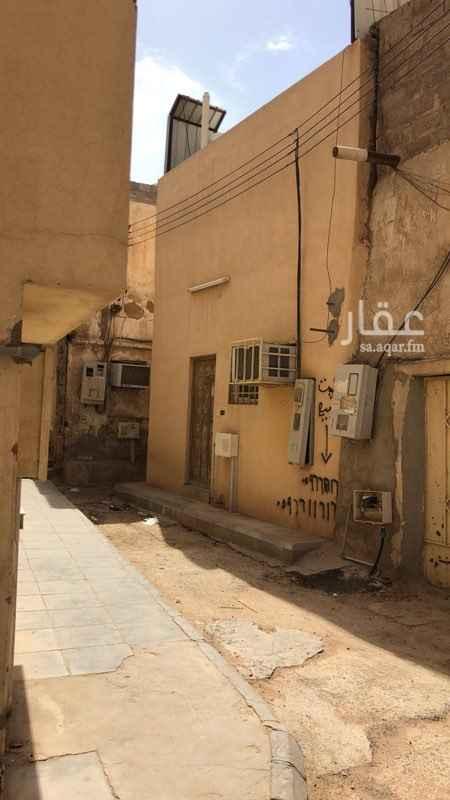 بيت للبيع في شارع جديله بن اسد ، حي الديرة ، الرياض ، الرياض