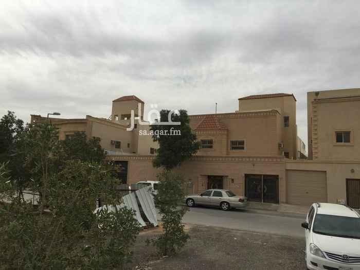 فيلا للبيع في شارع القضيف ، حي العزيزية ، الرياض