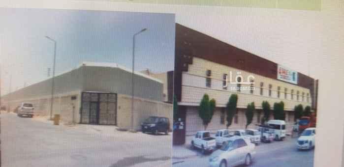 عمارة للبيع في شارع الشيخ عبدالله المخضوب ، حي الوادي ، الرياض