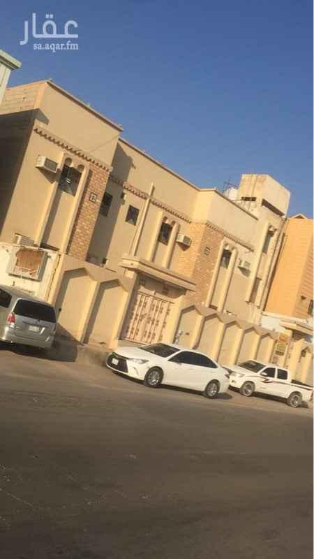بيت للبيع في شارع الخلصه ، حي طويق ، الرياض