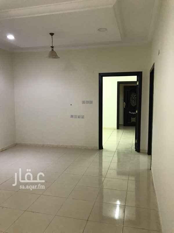 دور للإيجار في شارع محمد رشيد رضا ، حي الدار البيضاء ، الرياض