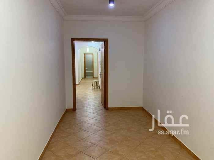 شقة للإيجار في شارع شهداء بدر ، حي المروج ، الرياض ، الرياض