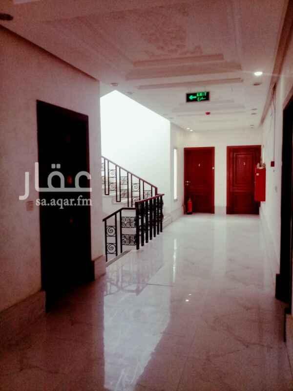 مكتب تجاري للإيجار في شارع محمد البرقي ، حي المونسية ، الرياض